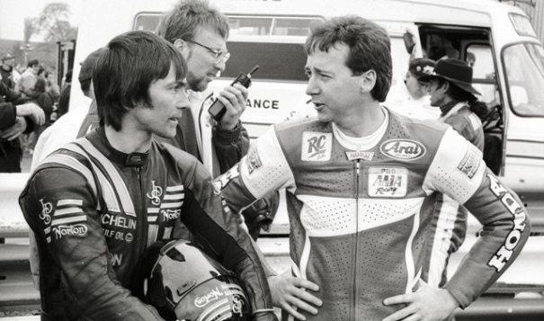 Ron Haslam, izquierda, junto a Freddie Spencer